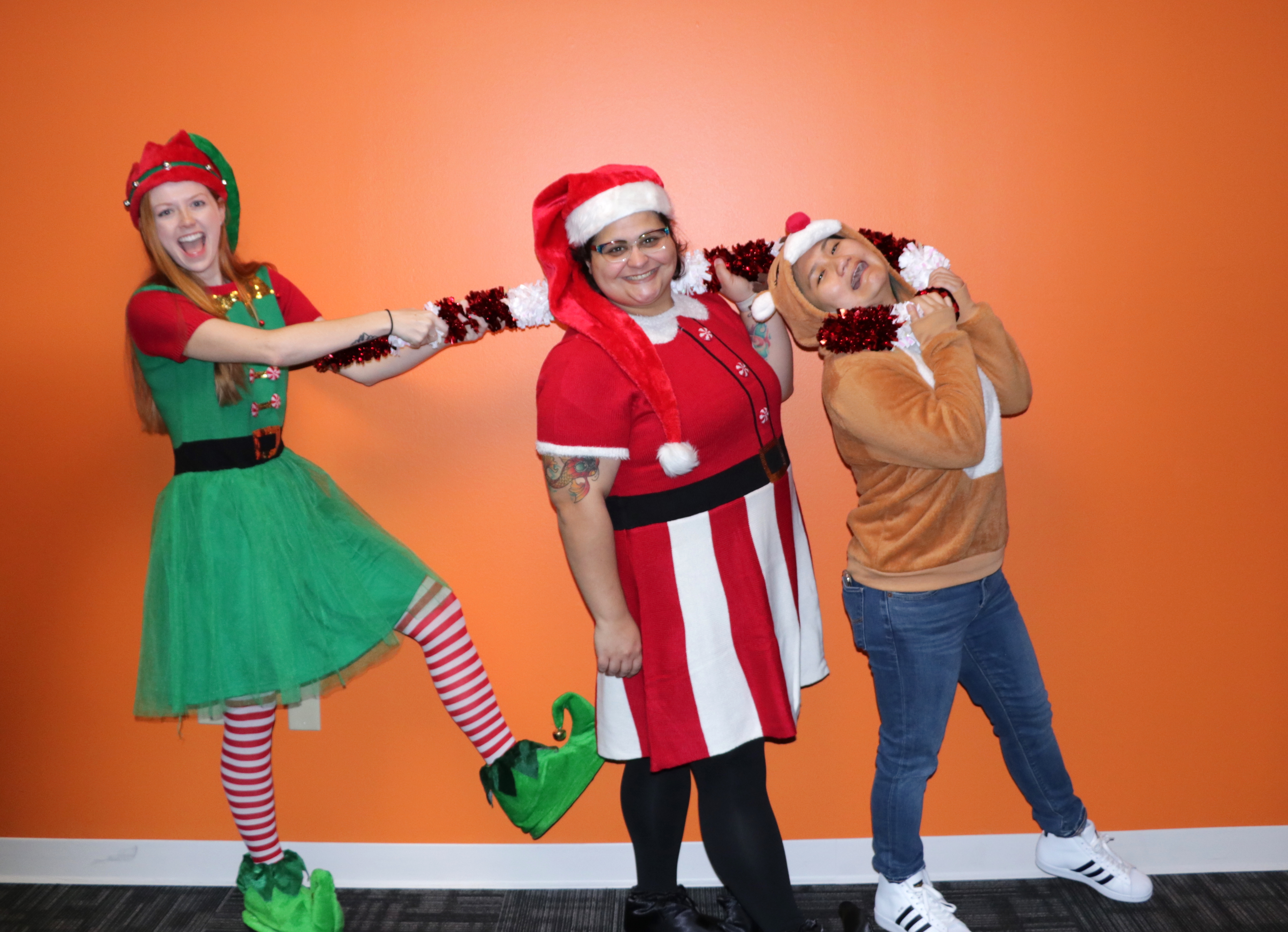 Santa'a Not So Helpers - Courtney Lewis, Natalee Lawson, Kit Nguyen