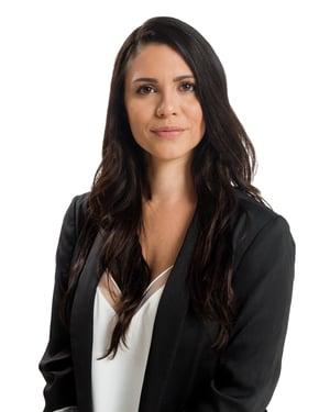 Sara Valtin Headshot-1