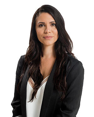 Sara Valtin Headshot