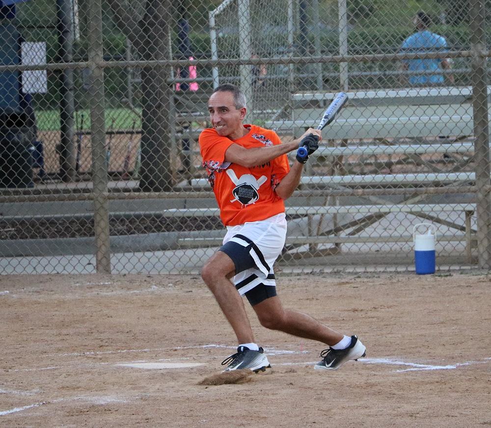Drew swings bat